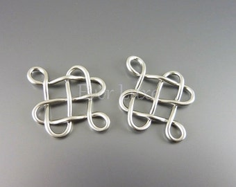 4 Celtic knot pendants / matte silver brass findings / supplies for jewelry jewellery, findings P1185-MR (matte silver, pendants, 4 pieces)