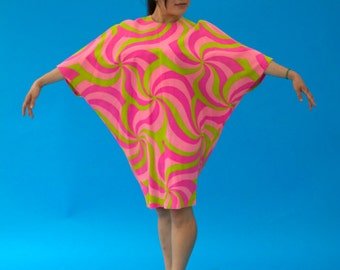 Vintage 1970s Hippie Wild Psychedelic AbFab Sock-it-to-me Dress