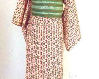 Vintage KIMONO casual wool winter KIMONO ivory red  hexagon flower motif size S ready to ship