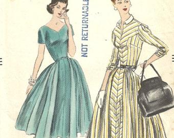 Vogue 8922 / Vintage 50s Sewing Pattern / Dress / Size 14 Bust 34
