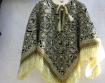 Tapestry Poncho - olive & black - reversible