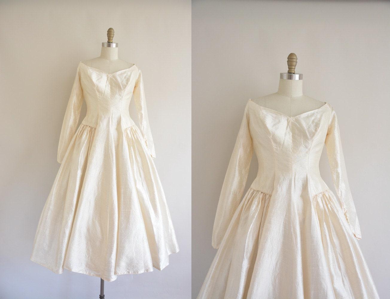 Classic Wedding Dress Satin: Vintage 1950s Wedding Dress Ivory Silk Dress By
