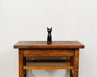 20 PERCENT OFF Code: 20FOR17 > 1960's Marble Green Glass Eye Carved Black Cat