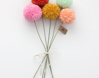 mini yarn pom pom flowers bouquet (5 poms)