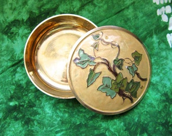 Small Brass Enamel Trinket Box with Ivy Vine, Gold and Green, Vintage Vanity Box, Brass Candy Dish, Desk Accessory, Jewelry Dish, Nut Dish