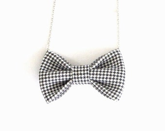 Mini Houndstooth - Bow Tie Necklace, Hands Tooth Bowtie, Black White Bow Necklace