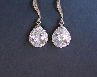 GOLD Crystal Drop Bridal Earrings, Delicate Crystal Wedding Earrings, Bridal Jewelry, Wedding Jewelry, Bridesmaids Gold Earrings,