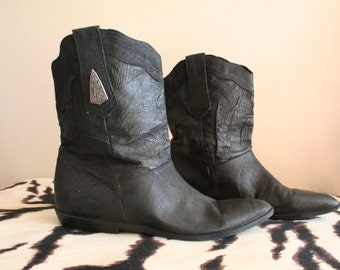 Vintage Black Genuine Leather Boots - Size 5 1/2 - Country - Western - Hipster - Soft Leather - Cowgirl