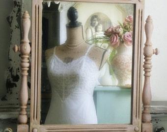 R O M A N T I C French Shabby Chic Dresser Mirror