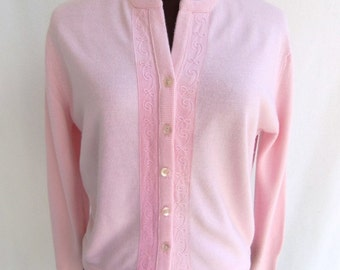 Vintage 60s Women's Cardigan Sweater in Pastel Pink Size M / L