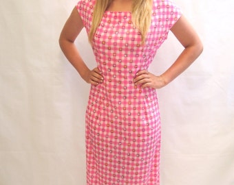 Vintage 1970's pink and white gingham maxi day dress