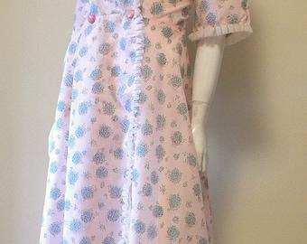 1950s Vintage I Love Lucy Sheer Nylon Print Robe Rhinestone Buttons