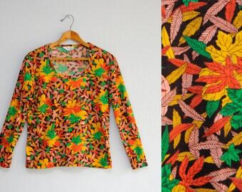 50% OFF - 70's shirt: long sleeve blouse, autumn colors, maple leaf print, novelty print, fall fashion, Taiwan vintage, M size.