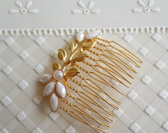 Gold Hair Comb With White Pearls - Bridal Hair Accessories - Wedding Hair Jewelry - Wedding Head Piece - Bridal Hair Comb - Leaves Hair Comb