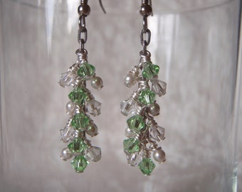 Peridot Green and Pearl Dangle Earrings, Swarovski Crystal and Swarovski Crystal Pearls