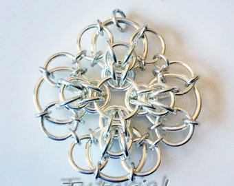 Celtic Chrysanthemum Chainmaille Pendant Tutorial