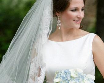 Crystal and Pearl Wedding Earrings, Chandelier Vintage style Bridal Jewelry, Rhinestone, Swarovski, Leah Chandelier Earrings