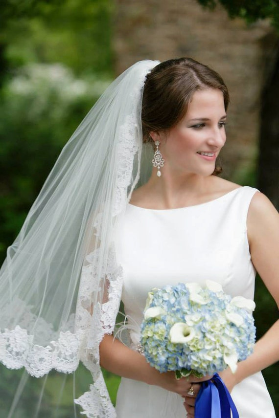 Chandelier Bridal Earrings,  wedding jewelry Swarovski Pearls and crystals, Leah vintage style