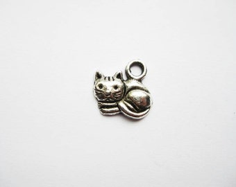 10 Cat Charms in Silver Tone - C053