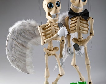 Bonnie - Professional Dancing and Singing Skeleton Marionette