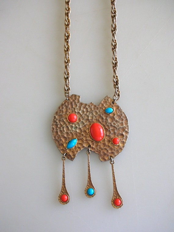 Red Coral Turquoise Hammered Pendant Necklace BoLd Gold Choker from The Back part of the Basement-FREE US SHIP