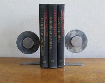 Floating Steel Bookends