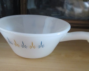 Vintage Fire King Anchor Hocking French Casserole Dish with Handle 1960's Retro Design