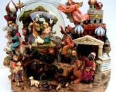Vintage Nativity Scene, Musical, Plays Silent Night. Christmas,Three Wise Man,Bethlehem. Holiday,Christmas Decoration,Keepsake
