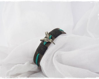 Hummingbird Bracelet, Leather Bracelet Cuff, Bird Watcher Bracelet, Nature Woodland Jewelry, Leather Bird Cuff, Humming Bird Jewelry Cuff