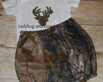 Infant Boy's Camo Buck Head Bodysuit and Realtree Fabric Camo Diaper Cover Set Size NB-18M