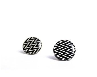 black studs chevron earrings black earrings large stud earrings zig zag earrings funky jewelry post earrings black ear posts 20mm