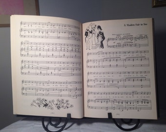 Vintage Book A Treasury of Gilbert and Sullivan 1941