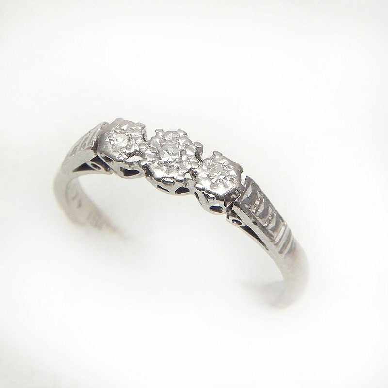 Gorgeous Antique 1920s Diamond Ring in 18K Gold and Platinum – Size 5 – vinta