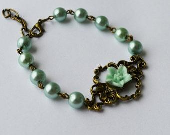 SALE - Vintage style mint flower bracelet