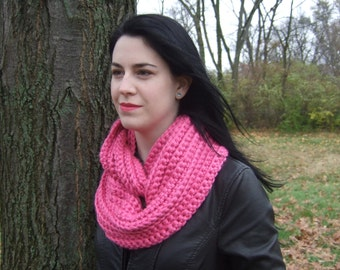 Infinity Scarf, Chunky, Crochet, Pink, women's circle scarf