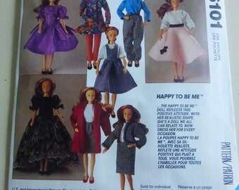 Vintage McCalls Crafts Pattern 6101 Happy To Be Me Fashion Doll Wardrobe   Factory Fold