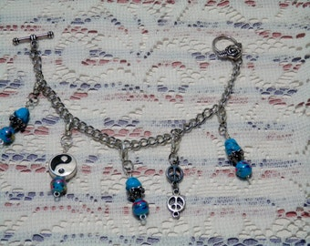 Ying Yang Charm Bracelet, Blue Beaded Bracelet, Charm Bracelet, Detachable Charm Bracelet, Peace Sign Dangle Bracelet, Beaded Charm Bracelet