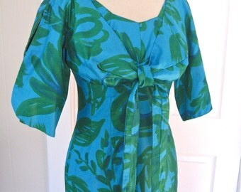 Vintage 50s Hawaiian Dress in Green and Blue Polished Cotton Floral with Tie Front by Togs