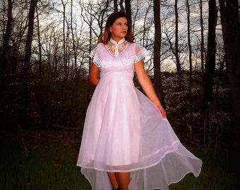 Lovely Lavendar Sheer Chiffon Semi formal Vintage Dress