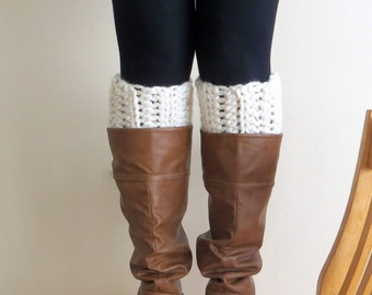 The New England Chunky Boot Cuffs in Fisherman // Boot Socks, Button Legwarmers, Boot Toppers