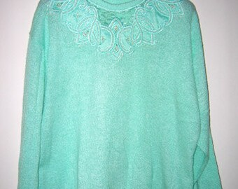 Vintage 80's/90's Sweater Embellished With Embroidery and Pearls Size L