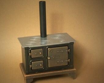 Nostalgic Miniature Kitchen Stove for Your Dollhouse