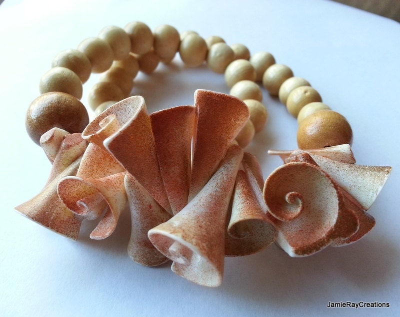 Vintage Chunky Wood And Shell Necklace With By Jamieraycreations