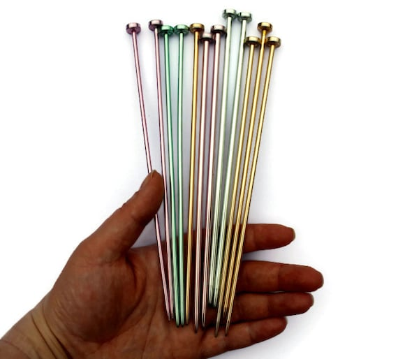 Vintage Knitting Needles : Metal short vintage knitting needles in a variety of summer