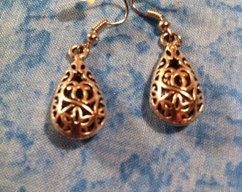 Floral Teardrop Earrings - Silver Tone - 3D