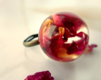 Rose Petals resin ring: pressed flowers resin orb flower jewelry red rose cooper