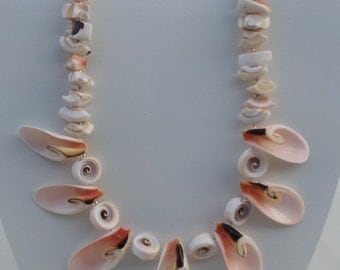 Handmade real sea shell necklace #00N8
