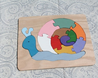 Scrollwork Snail Puzzle (14 Pieces)