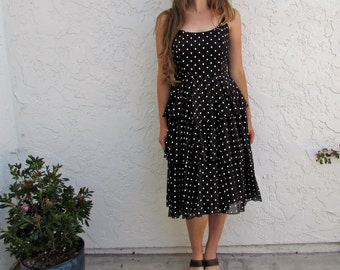 60's Polkadot Layers Dress //