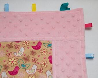 Happy Birds Pink framed tag blanket